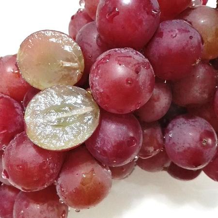 红宝石巨峰葡萄